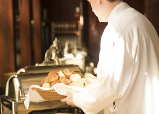getting-to-know-the-hospitality-industry-cover