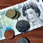 employee-tips-should-tipping-be-banned-cover